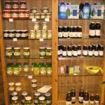 Öle und Gemüsekonserven